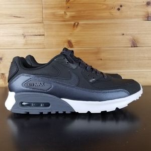best service 0efb9 226fe Nike Shoes - Women s Nike AIr Max 90 Ultra SE (Size 9)